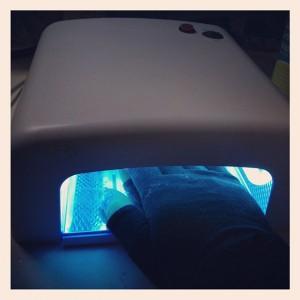 Gelnagel zetten met UV-lamp | CC Flickr